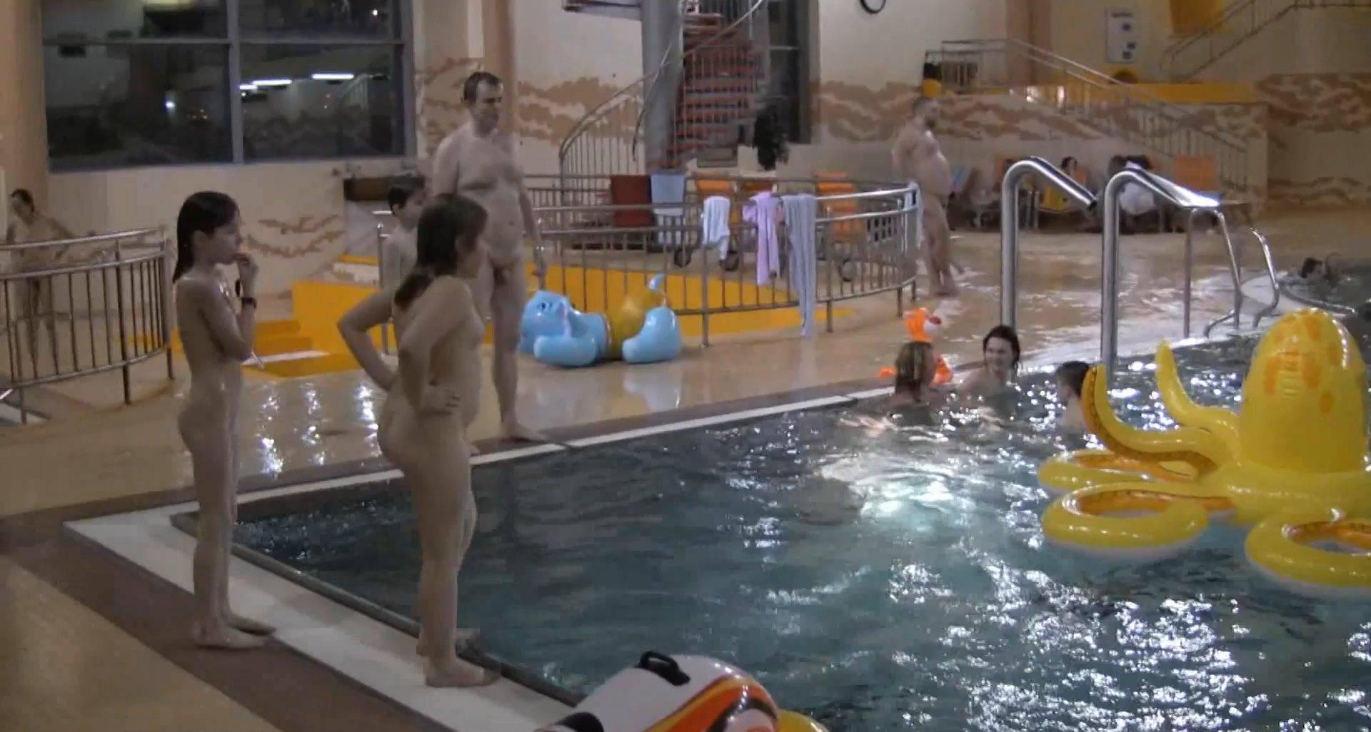 Nudist Videos Indoor Water Runners 1 - 1