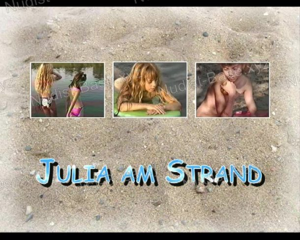 Frame of Julia am Strand