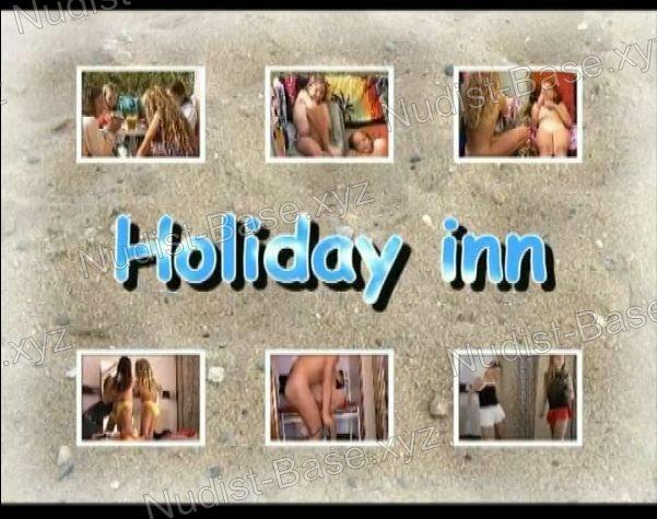 Snapshot Holiday Inn (Lea and Sister)