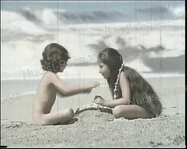 Video still of Angels and Cherubs (Ángeles y querubines) 1972