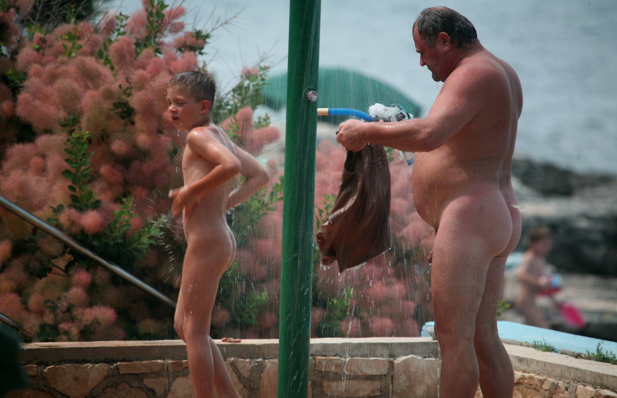 Nudist Pictures Naturist Shower Profiles - 2