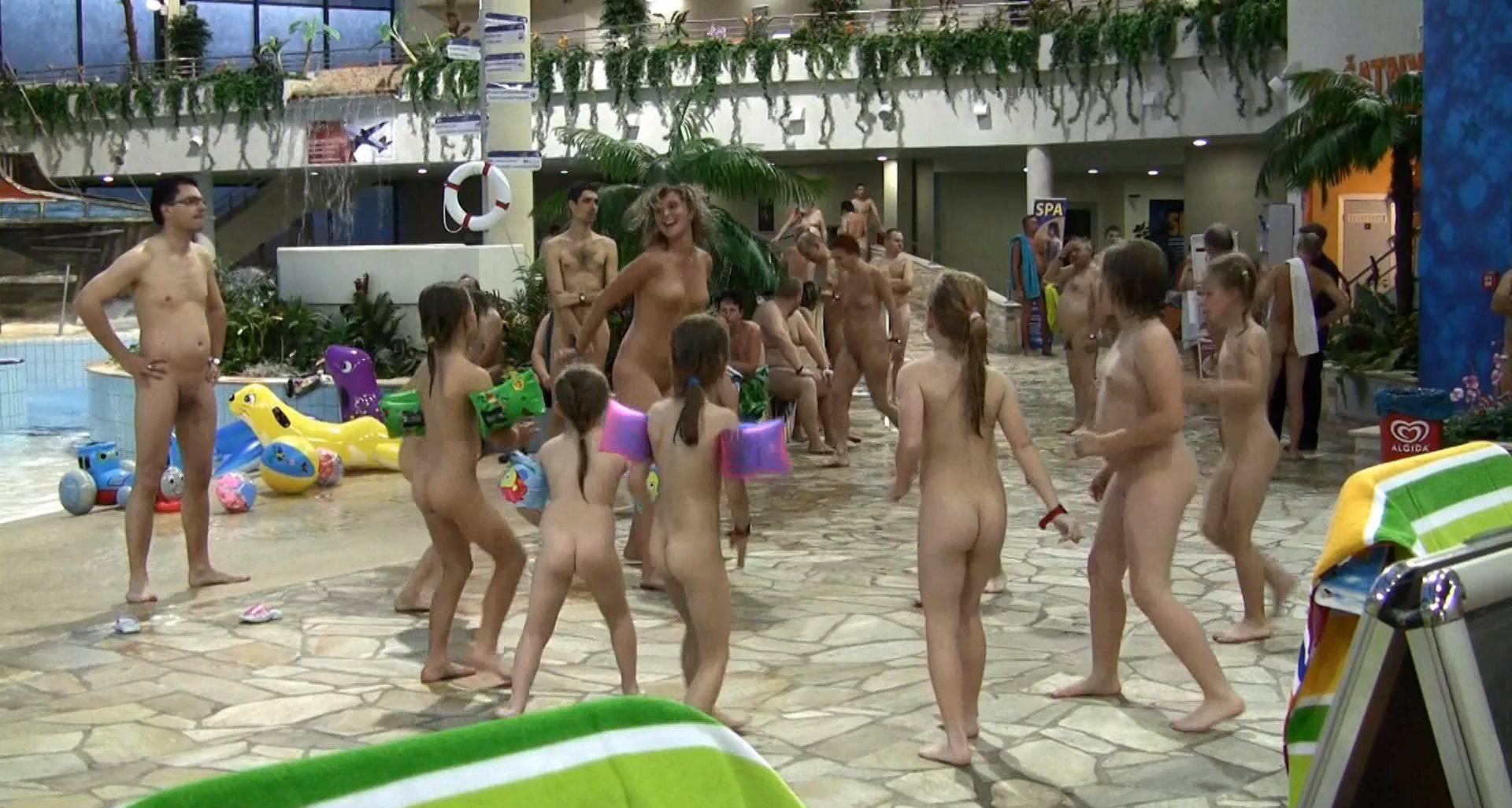Nudist Videos Aqua Extravaganza 1 - 2