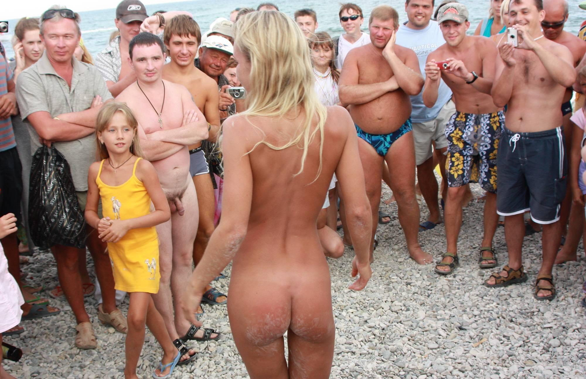 Neptune Blondes Dance - 2