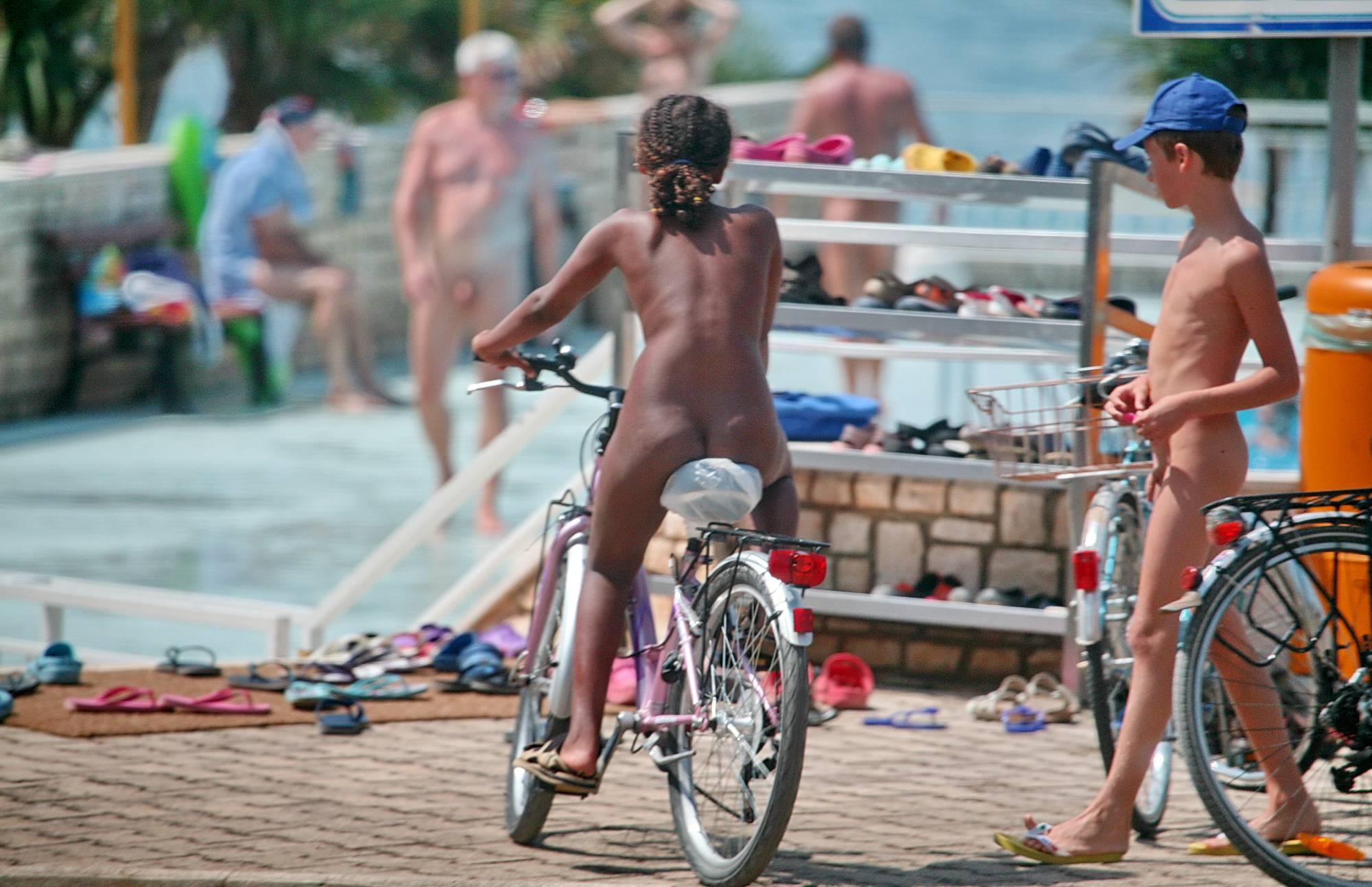 Biking Stand Photo Gallery - 2
