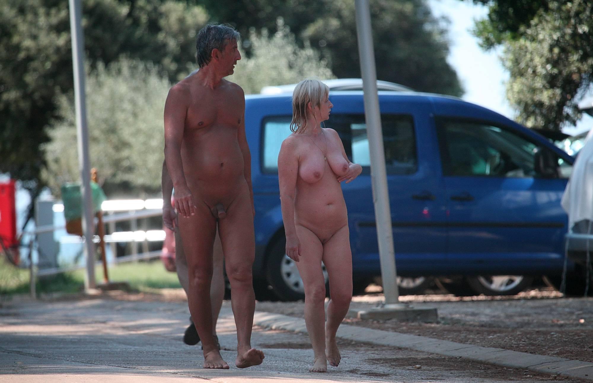 Nudist Pics More Aged Nudists Walks - 2