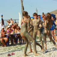 Sandy Muddy Dance-Off
