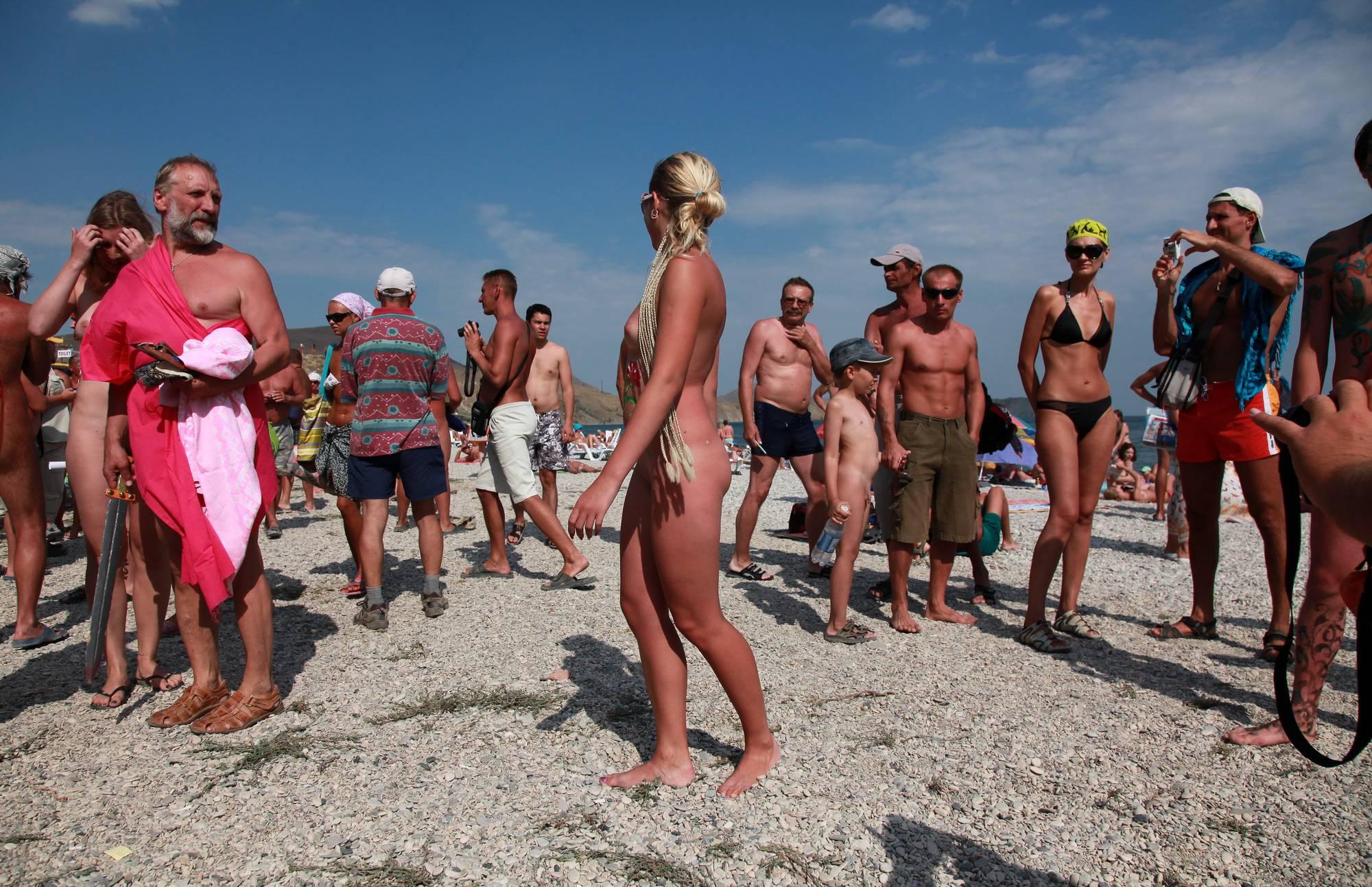 Nudist Gallery Sun Day Nude Flower Girl - 2